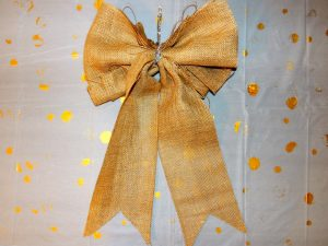 15 Engrossing Ways to Make a Burlap Bow