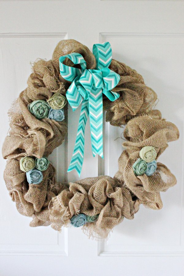 How to Make a Burlap Wreath: 30 DIY Tutorials | Guide Patterns