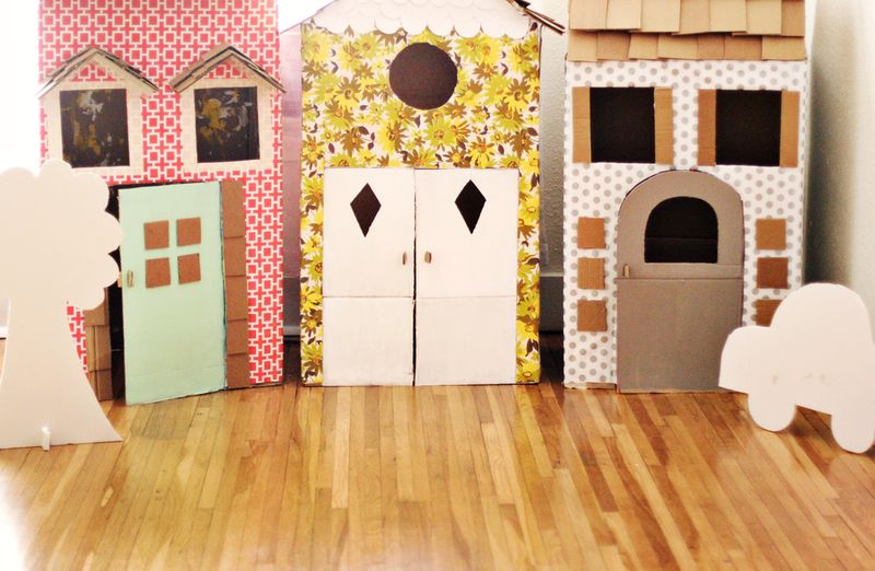 playhouse child friendly interior surfaces | 16 DIY Cardboard Playhouses | Guide Patterns