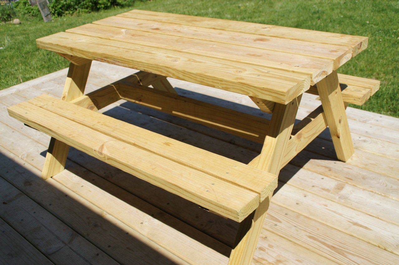 21 Wooden Picnic Tables: Plans and Instructions | Guide ...