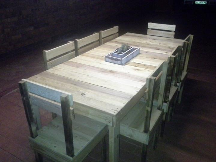 How to build a dining room table 13 diy plans guide for How to make a pallet kitchen table