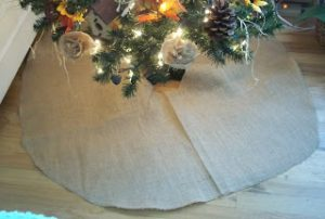 How to Make a Burlap Christmas Tree Skirt
