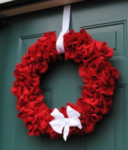 How to Make a Ruffled Burlap Wreath