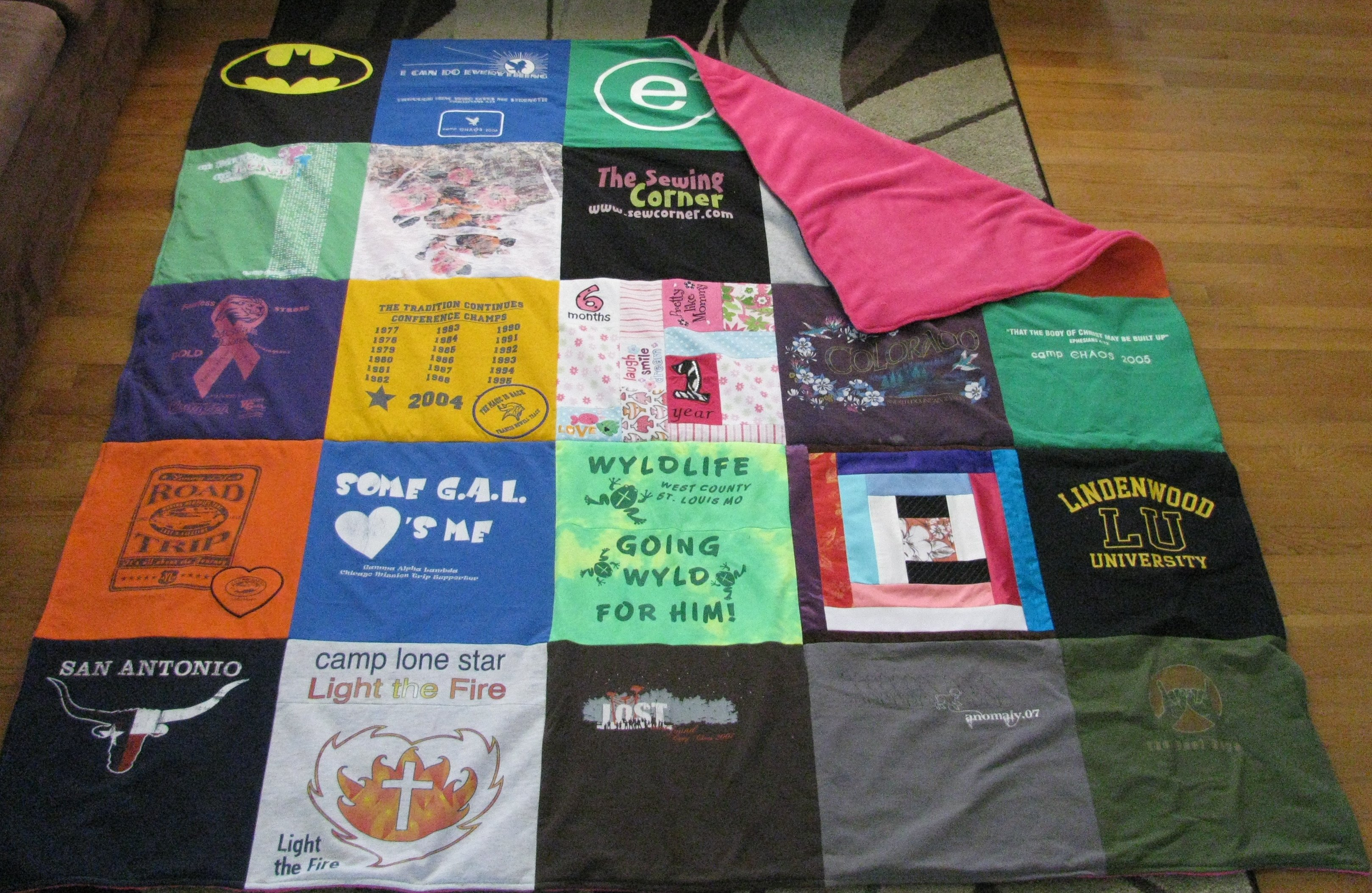 How to make a tshirt quilt 19 diy tutorials guide patterns for How to make t shirt quilts easy