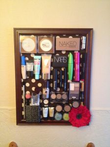 Magnetic Makeup Board DIY