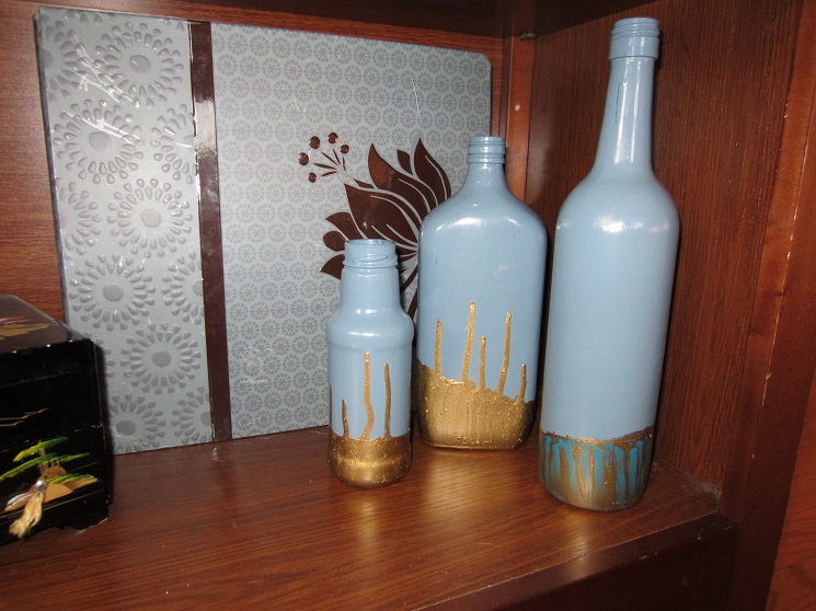 10 painted wine bottles with how tos guide patterns for How to paint bottles with acrylic
