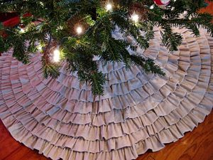 Ruffled Burlap Christmas Tree Skirt