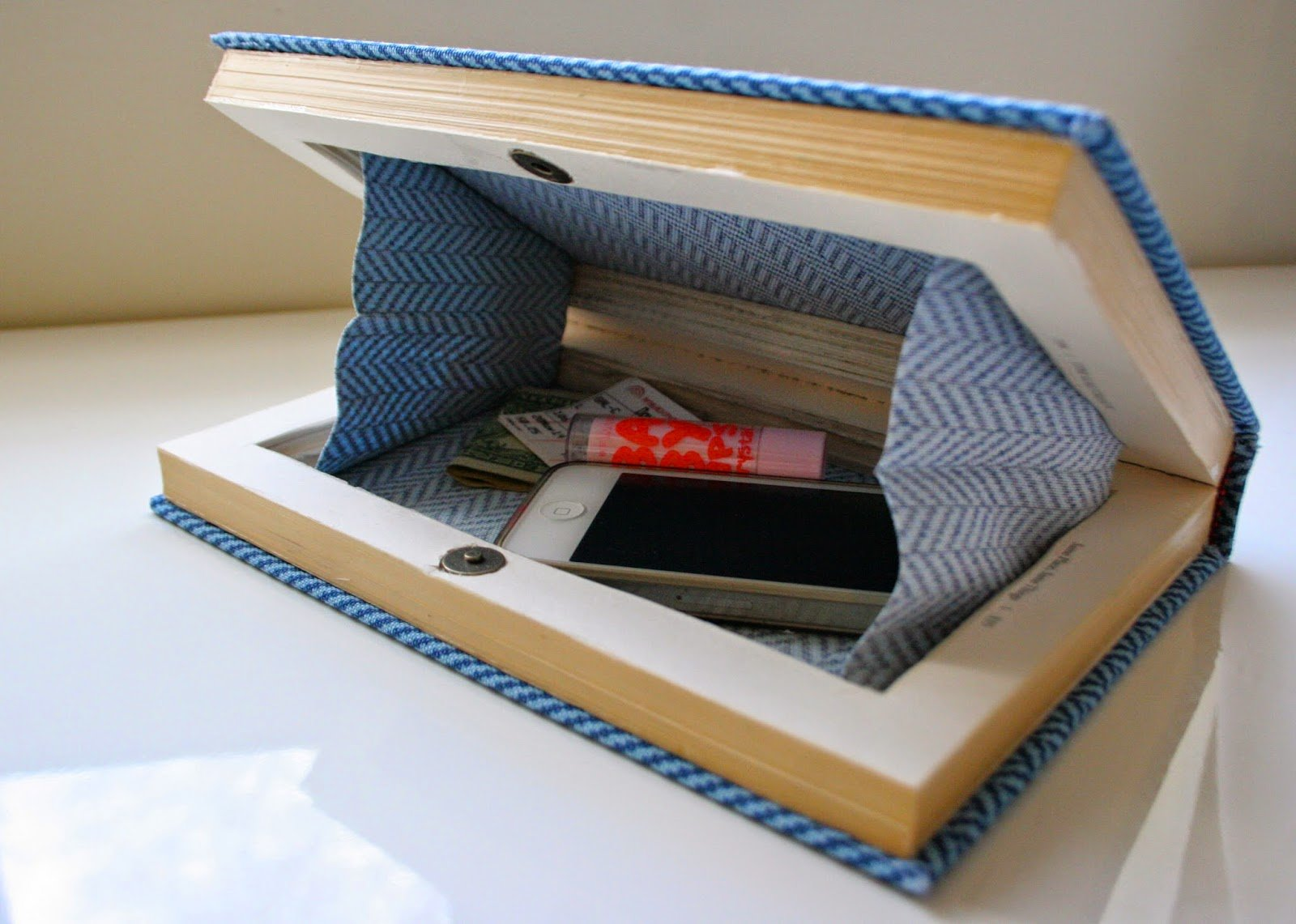 How To Make Book Cover Tutorial : Diy tutorials for making a book clutch guide patterns
