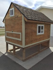 Cheap Pallet Chicken Coop Idea