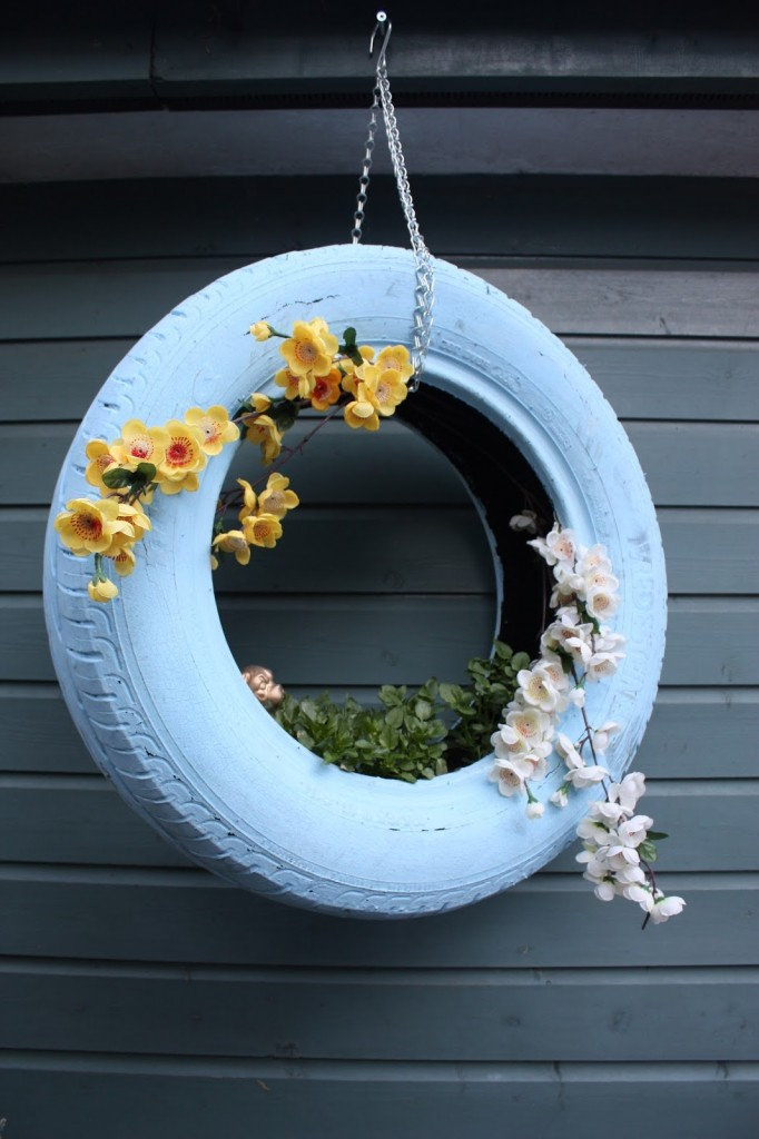 11 Tire Planters with DIY Instructions | Guide Patterns