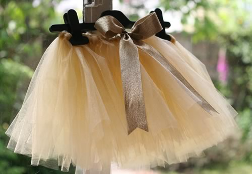 193f555ce2f How to Make a Tutu Skirt without Sewing