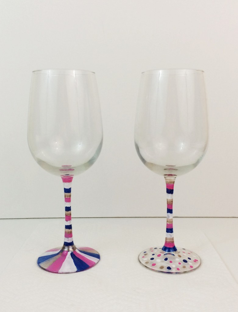 Hand painted wine glasses 51 diy ideas guide patterns for How to decorate wine glasses with sharpies