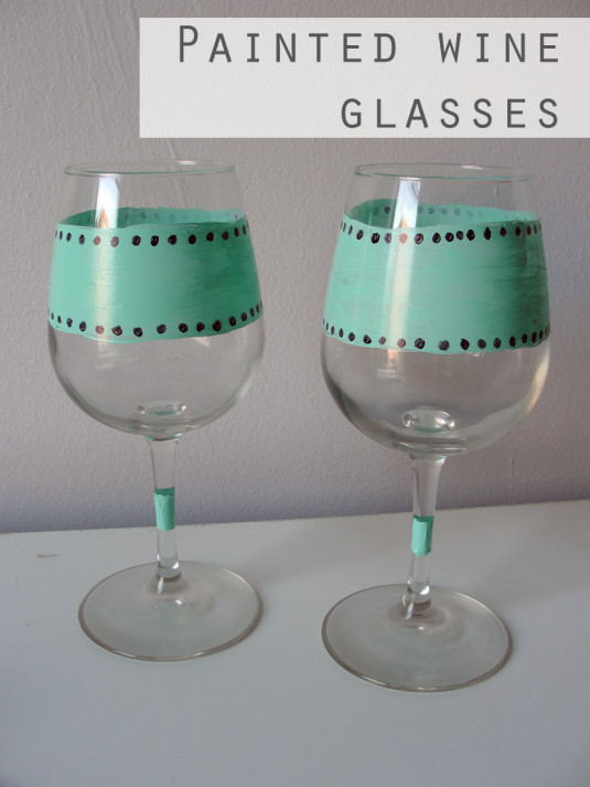 Hand painted wine glasses 51 diy ideas guide patterns for Type of paint to use on wine glasses