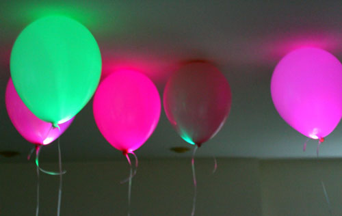 how to use led balloons