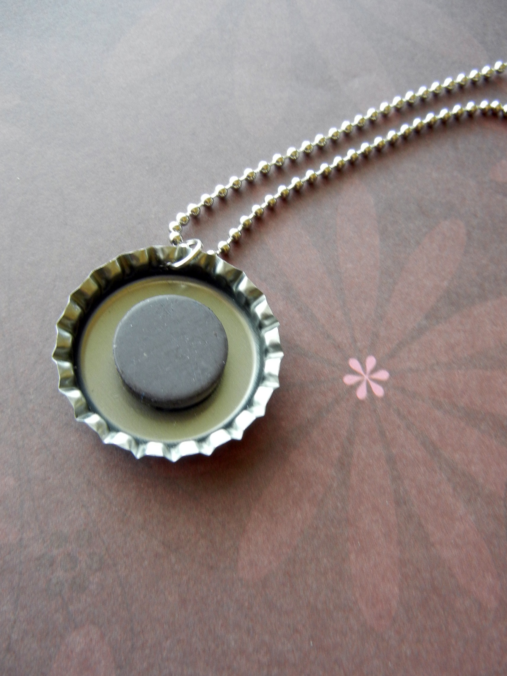 how to make bottle cap necklaces 25 diys guide patterns