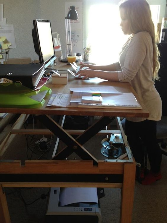 Pallet Desk Diy Simple
