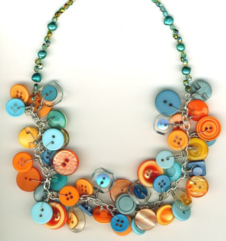 How to Make a Button Necklace: 22 Tutorials