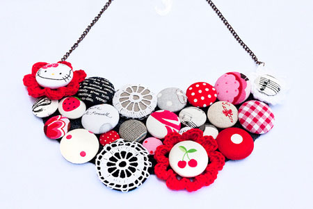 How To Make A Button Necklace Tutorials Guide Patterns - Bright diy layered button necklace