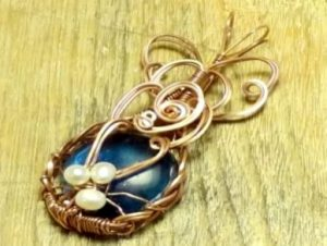 How to Wire Wrap a Cabochon Pendant