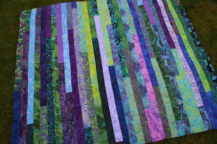 How to Make a Jelly Roll Quilt: 49 Easy Patterns | Guide Patterns : batik jelly roll quilt - Adamdwight.com