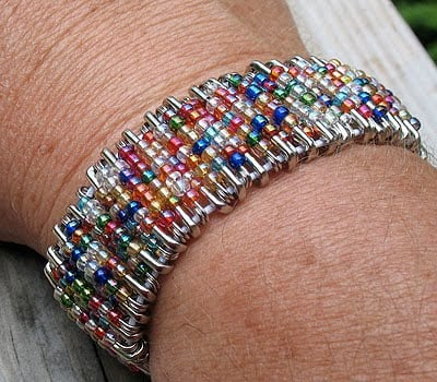 Safety pin bracelet how to make in 27 ways guide patterns for Safety pins for jewelry making