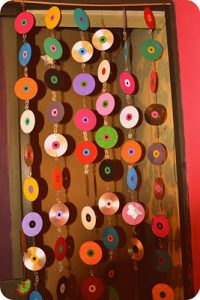DIY No-Sew Curtain Using CDs