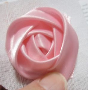 How to Make a Rose Out of Ribbon
