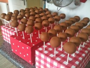 Simple Cake Pop Stand