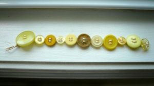 How to Make Button Bracelet
