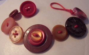 How to Make a Button Bracelet