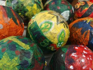 How to Paper Mache a Balloon