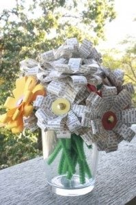 10 diy newspaper flowers guide patterns newspaper flower bouquet mightylinksfo