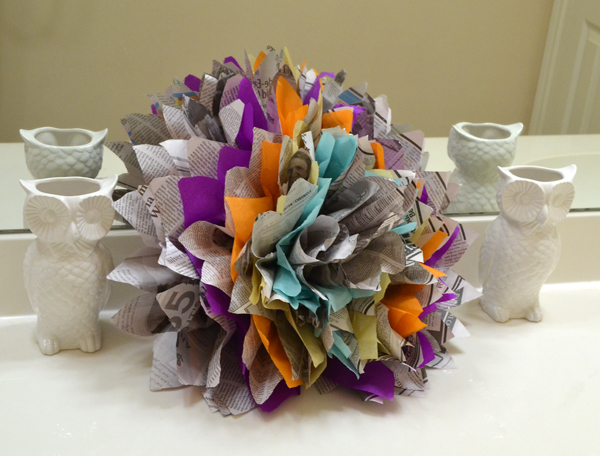 10 diy newspaper flowers guide patterns newspaper flower tutorial mightylinksfo