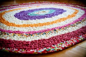 T-Shirt Yarn Oval Rug in Crochet