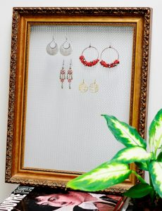 Girls' Earring Holder
