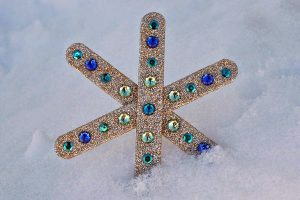 Popsicle Stick Snowflake Tutorial