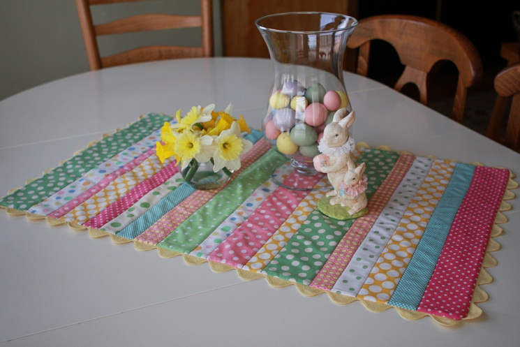 28 Free Quilted Table Runners Pattern