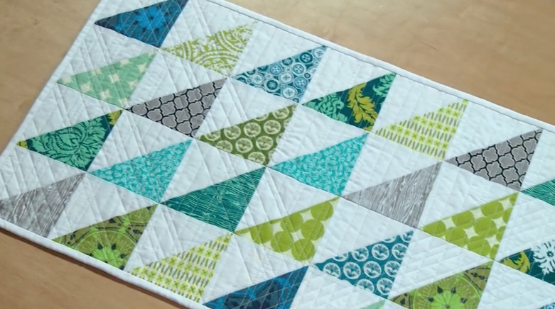 28 free quilted table runners pattern guide patterns for Round table runner quilt pattern