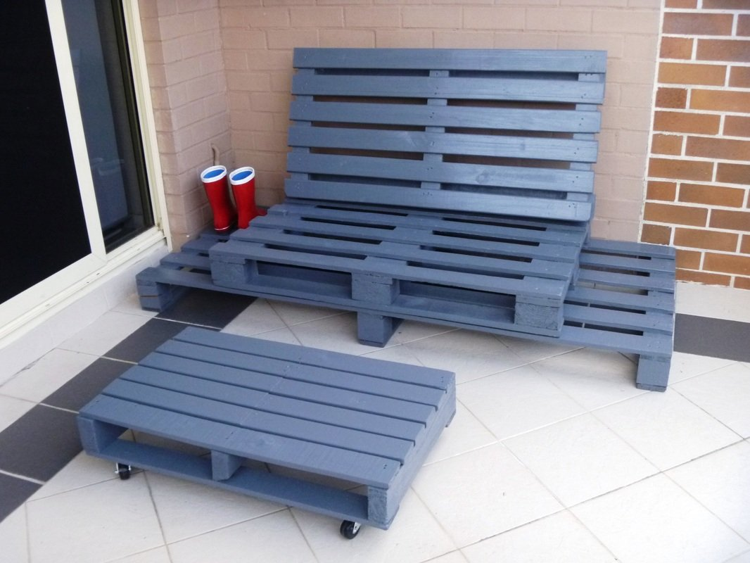 24 diy plans to build a bench from pallets guide patterns for Sofa de palets exterior
