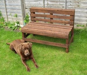 How to Build a Bench out of Pallets