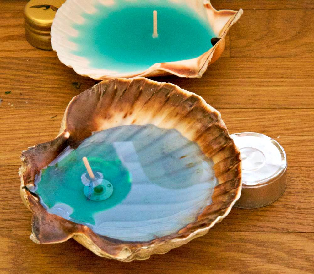How To Make A Two Story Living Room Cozy: 10+ DIY Seashell Candles And Holders