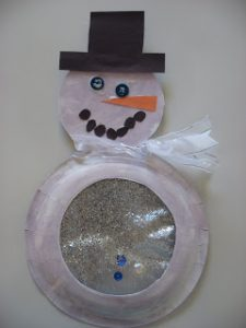 Paper Plate Snowman with Snow Globe