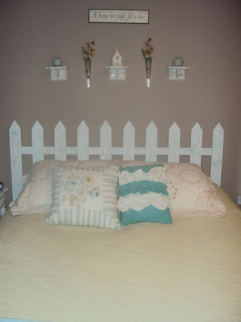 Picket Fence Headboard Idea