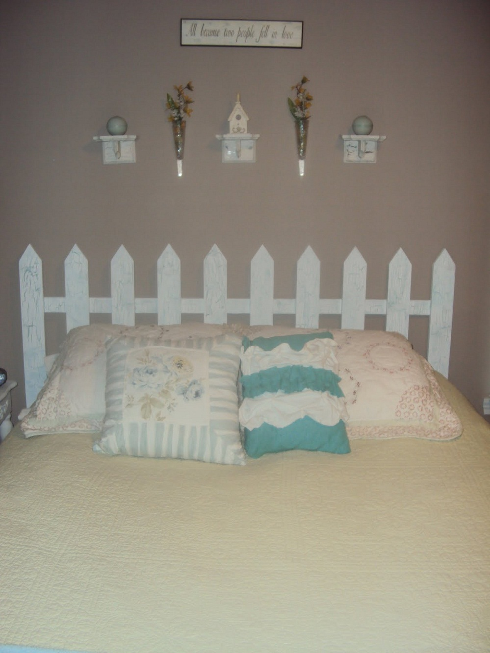 14 picket fence headboard plans for a country look guide for Headboard patterns