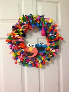Elmo Balloon Wreath