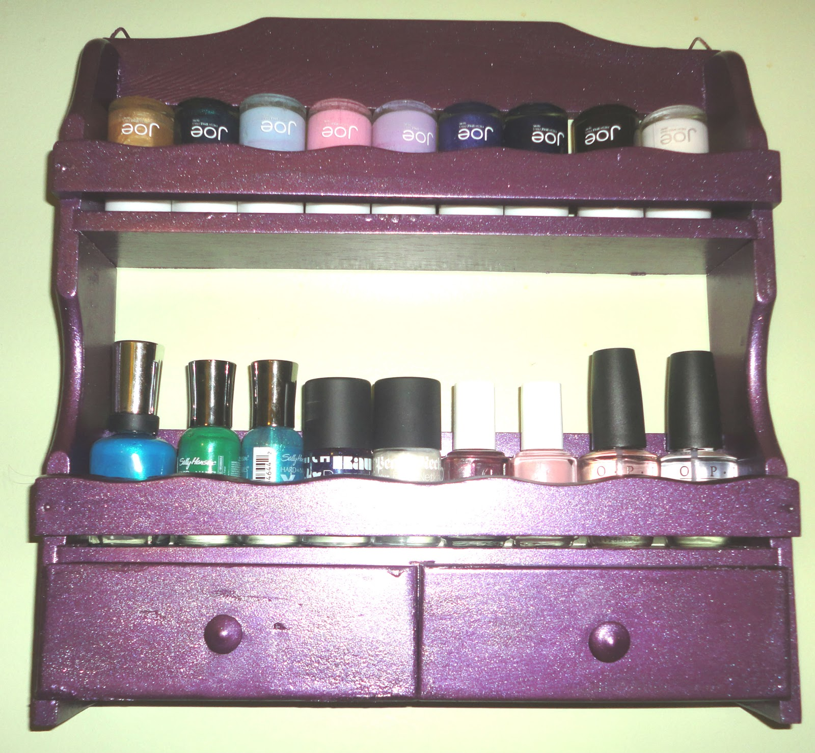 31 DIY Racks for Nail Polish Display | Guide Patterns