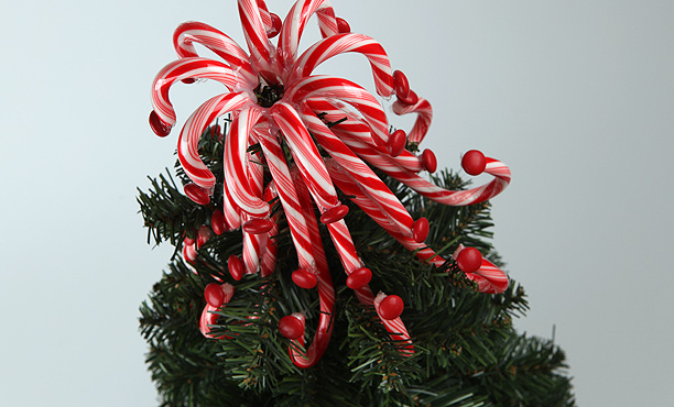 candy cane themed christmas tree - Candy Themed Christmas Tree