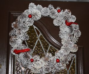 How to Make a Pinecone Wreath for Holidays