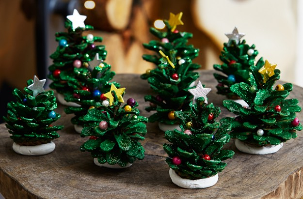 christmas trees with pinecones