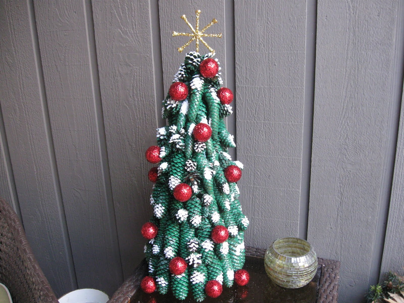 17 diys to make a pine cone christmas tree guide patterns for Pine cone christmas tree craft